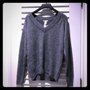 Long grey V-neck cozy sexy sweater XS